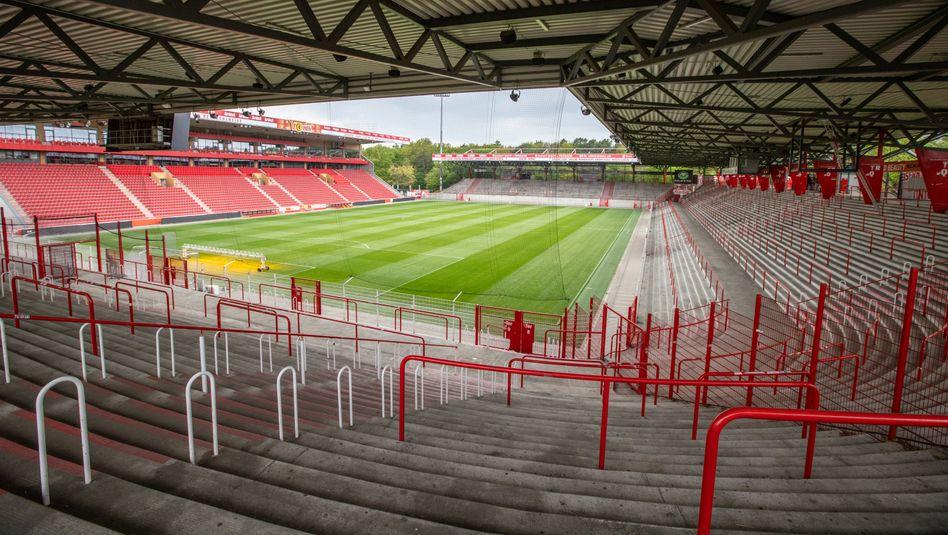 An leeren Rängen wird man sich in der Bundesliga auch nach dem wahrscheinlichen Re-Start gewöhnen müssen