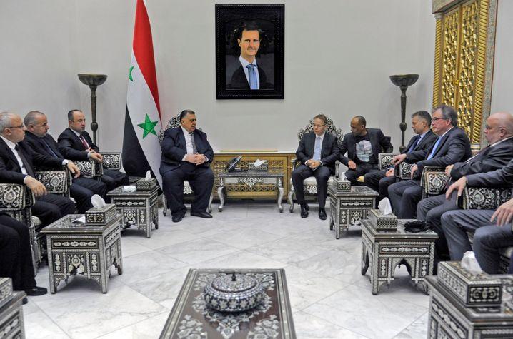 Syriens Parlamentspräsident Sabbagh (links) mit der AfD-Gruppe