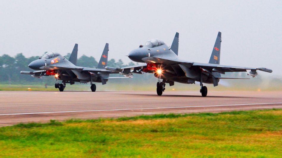 Chinesische Kampfflugzeuge (undatiertes Foto)