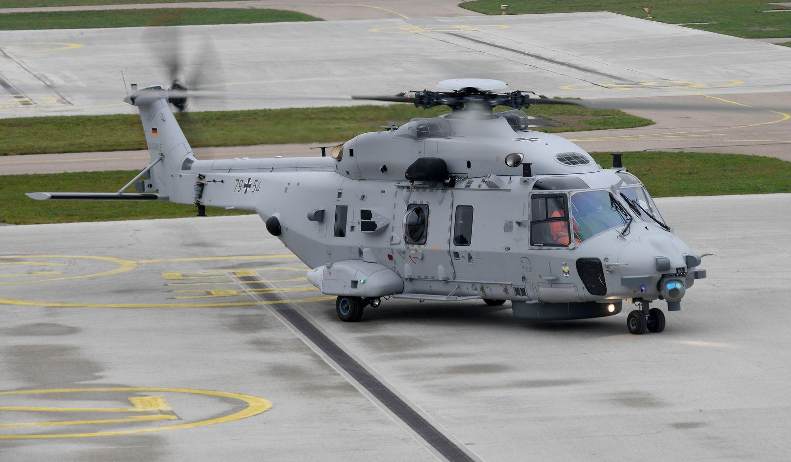 Marine-Hubschrauber bleibt am Boden