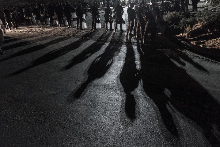 Polizeiabsperrung in Moria: Ordnung für einen chaotischen Ort