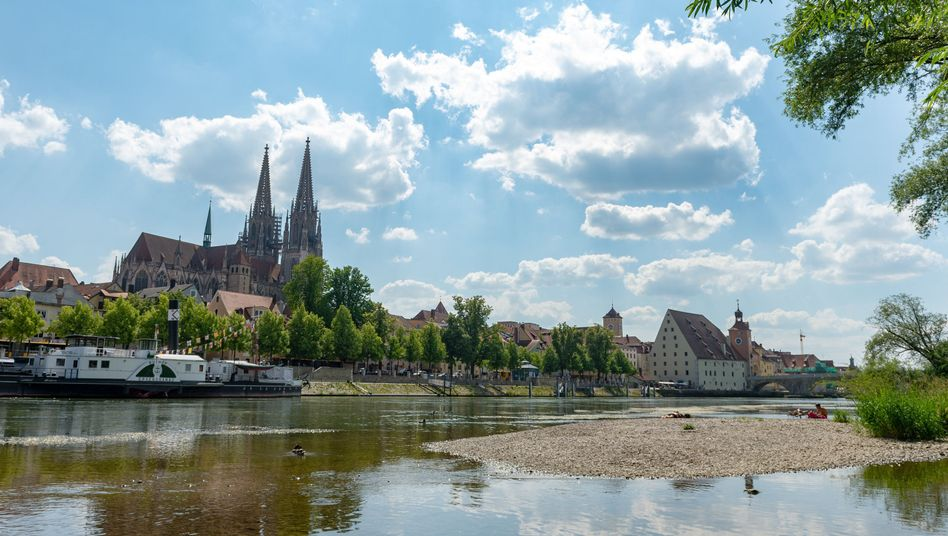 Wassermangel: die Donau in Regensburg im Juni 2018