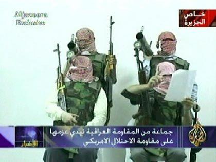 """Der arabische Fernsehsender al-Dschasira strahlte am Sonntag ein Video aus, in dem vermummte Männer den US-Truppen einen """"Guerillakrieg bis zur Befreiung"""" androhen"""