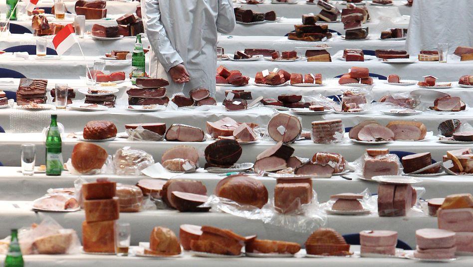Lebensmittelprüfer bei Kontrolle: Zahnlose Gesetzesnovelle