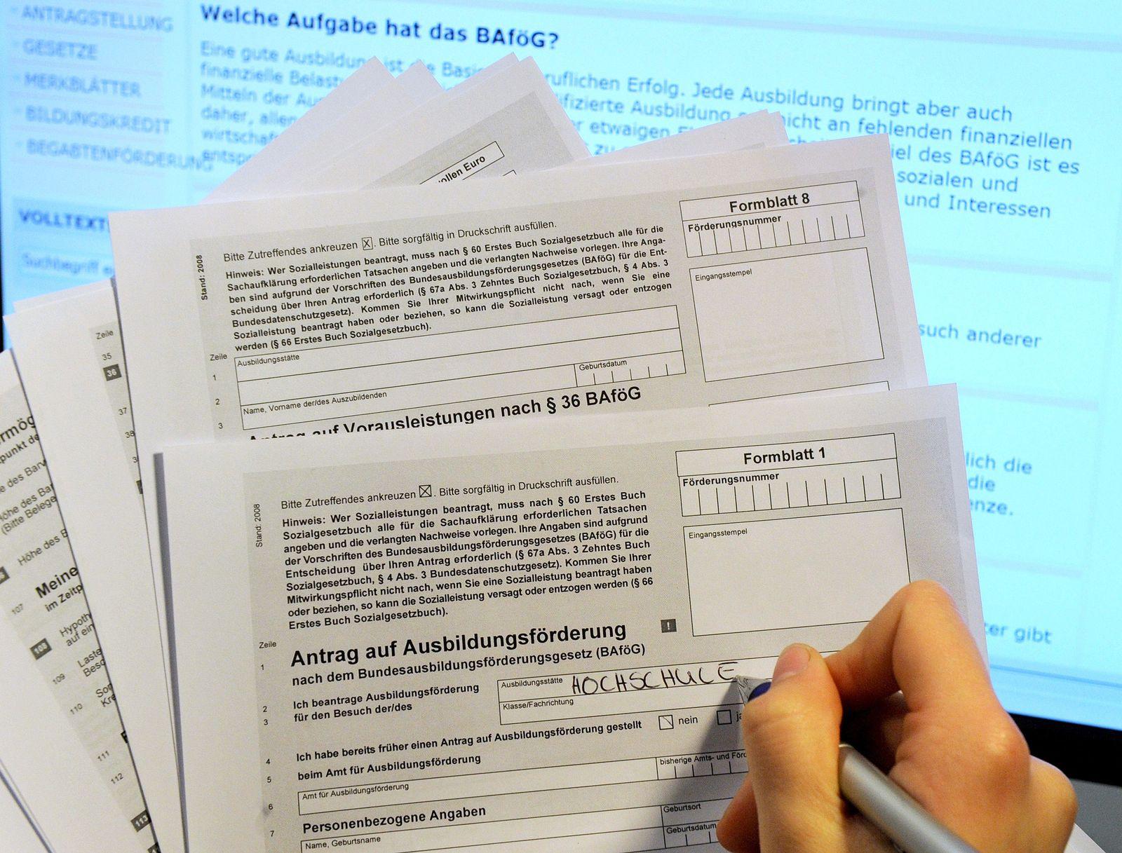 Bafög/ Studienkredit oder Stipendium