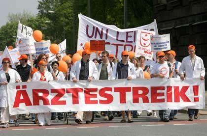 """Ärzte-Demo in Dresden letzte Woche: Marburger Bund wirft Arbeitgebern """"unseriöse Verhandlungsführung vor"""""""