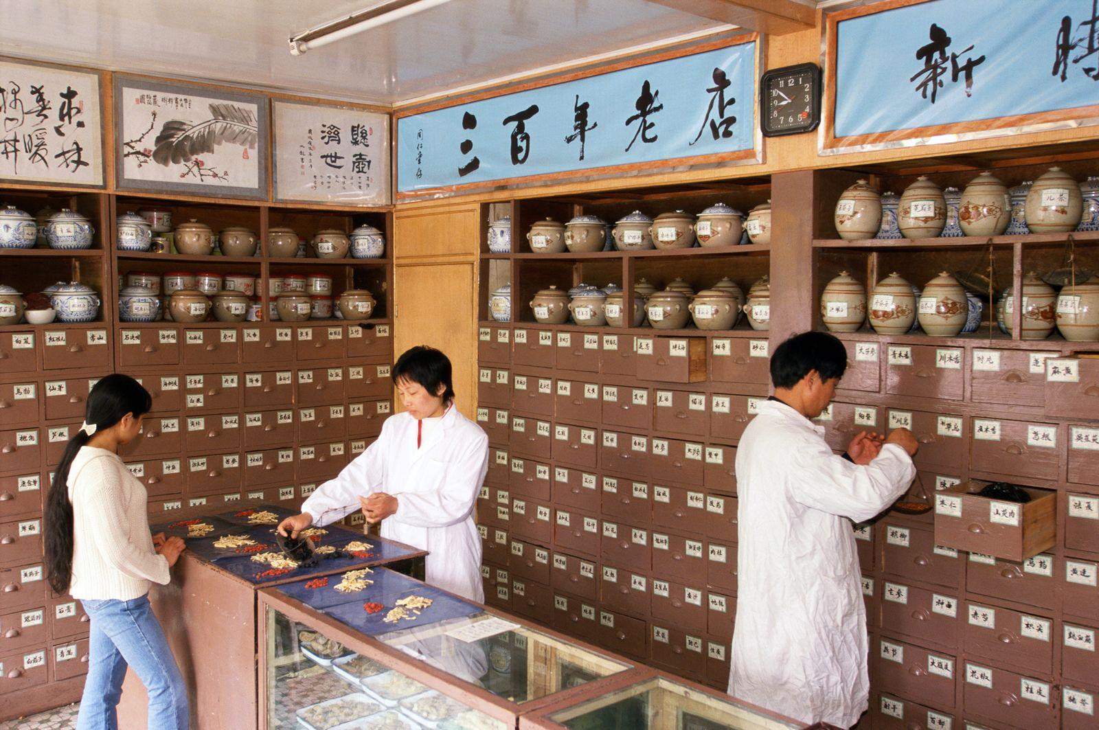 NICHT MEHR VERWENDEN! - China / Kräuter / Medizin / Tradition