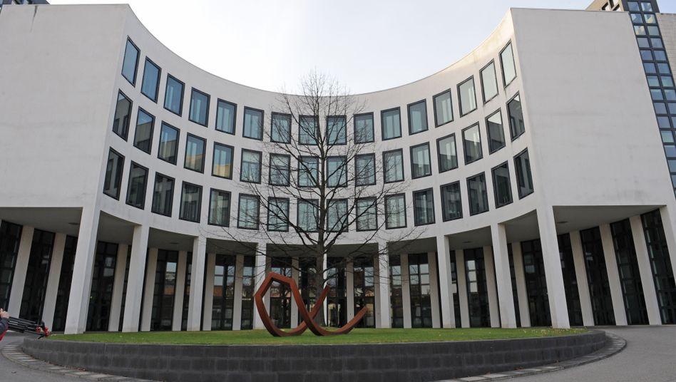 Haus der Bundesanwaltschaft in Karlsruhe: Alarmiert durch Spähaffäre
