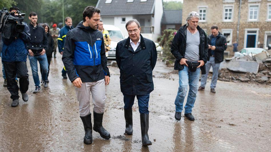 NRW-Ministerpräsident Armin Laschet (CDU) im Krisengebiet