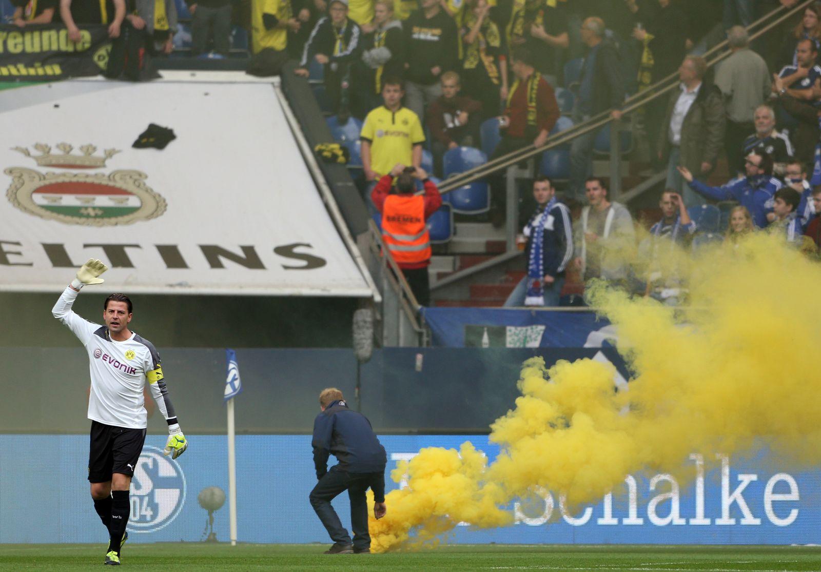 Randale bei FC Schalke 04 - Borussia Dortmund