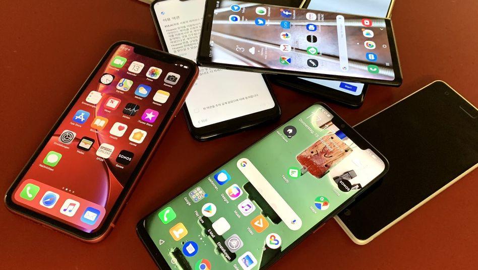 Smartphones (Symbolbild)