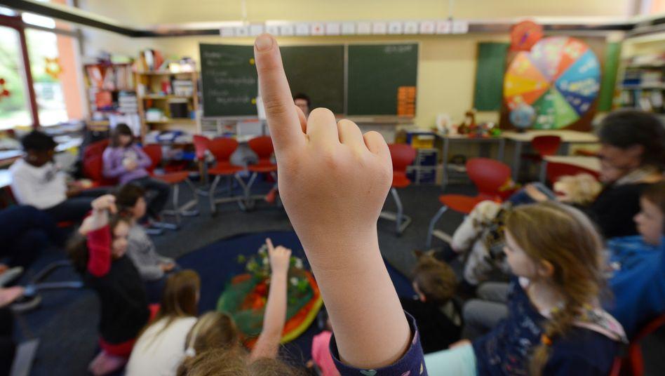 Klassenzimmer mit Wandtafel: Smartboards oder Tablets sucht man an vielen Schulen noch vergeblich (Symbolbild)