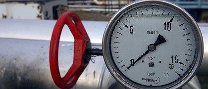 A tap and meter shows zero level pressure on the Druzhba oil pipeline.