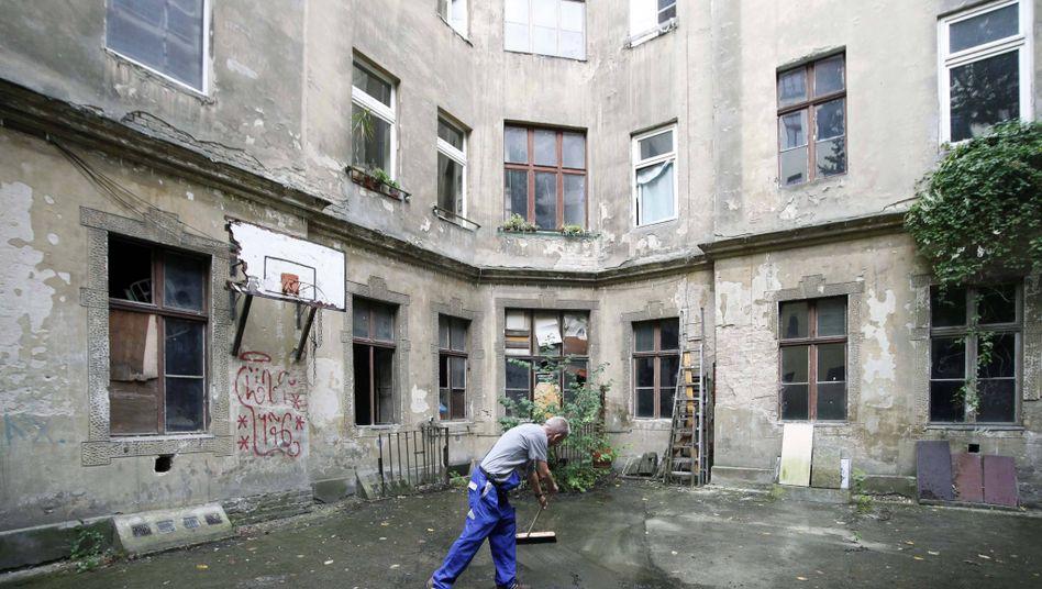 Hinterhof in Berlin: Zynische Sprüche statt Lösungen