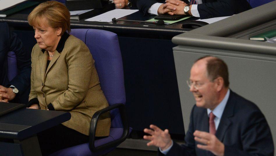 Haushaltsdebatte: Steinbrückwirft Merkel Unehrlichkeit vor
