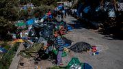 Feuer nahe Flüchtlingslager auf Samos ausgebrochen