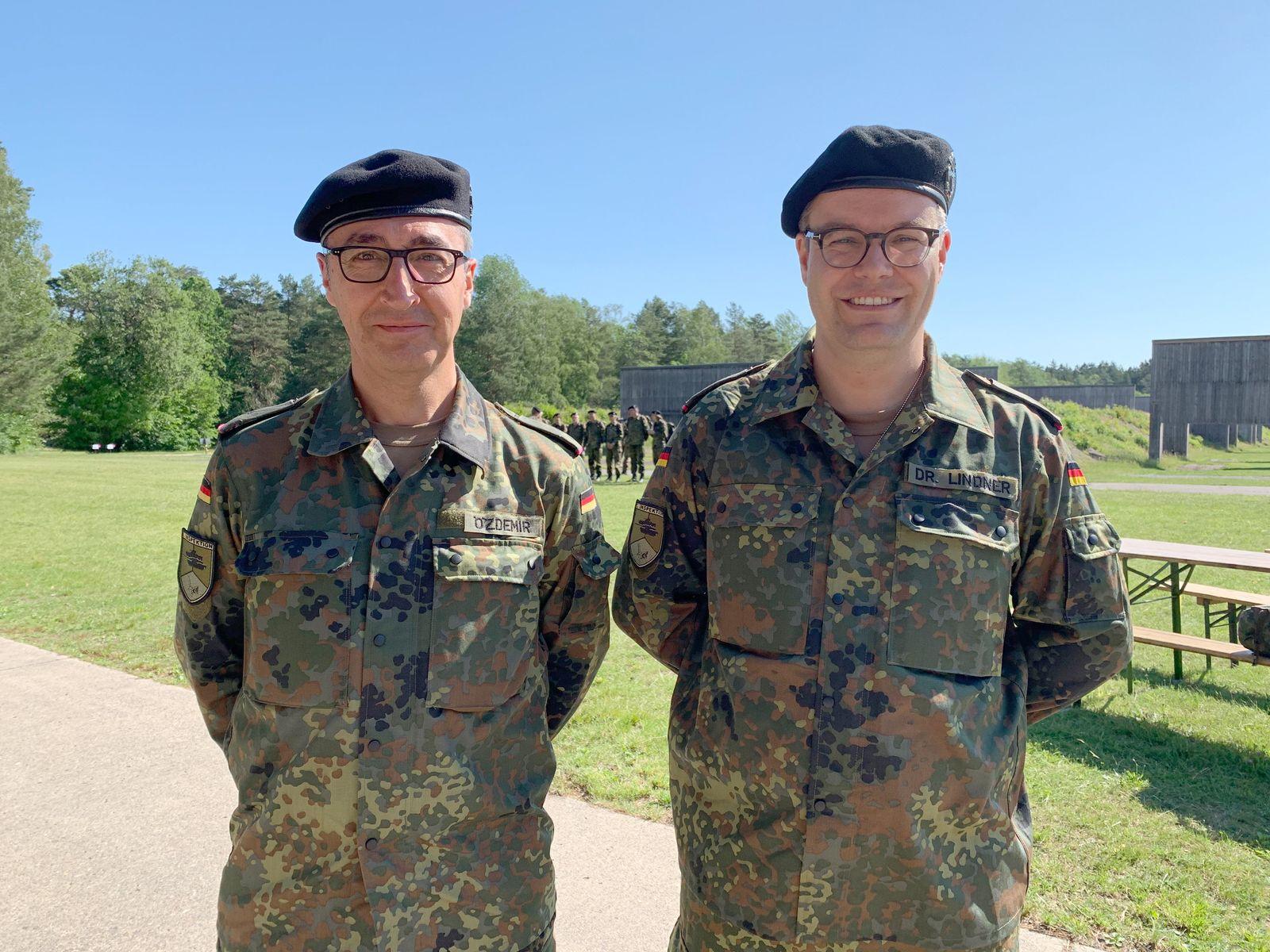 Grünen-Politiker Lindner nimmt Kriegsdienstverweigerung zurück