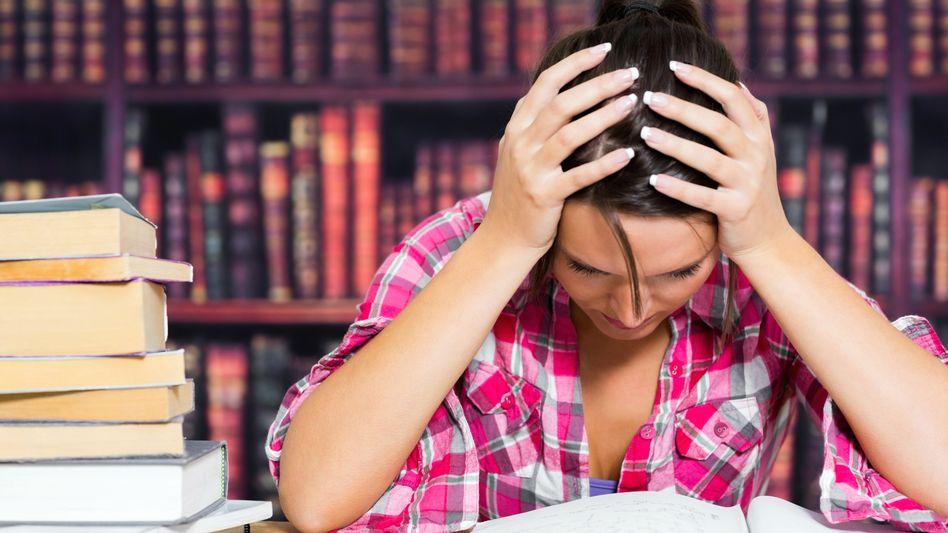 Stress in der Bibliothek: Lernst oder leidest du?