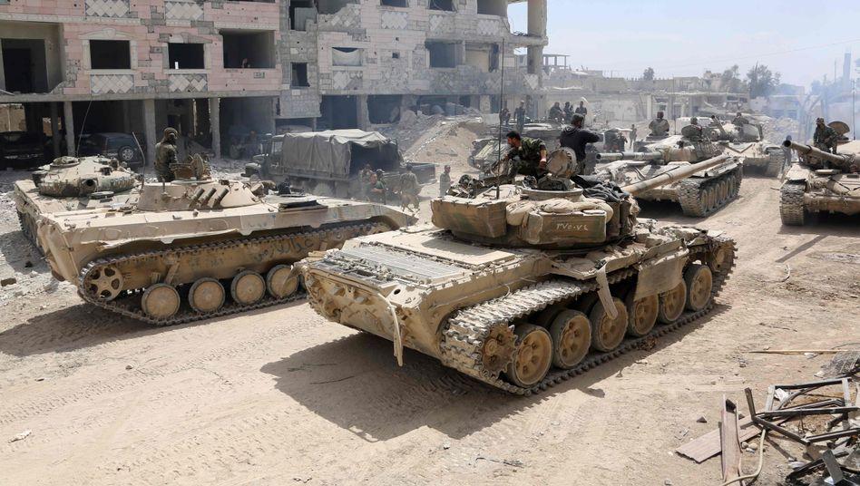 Syrische Armee nahe der Stadt Duma