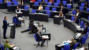 Bundestag beschließt Corona-Prämie und Ausweitung von Tests