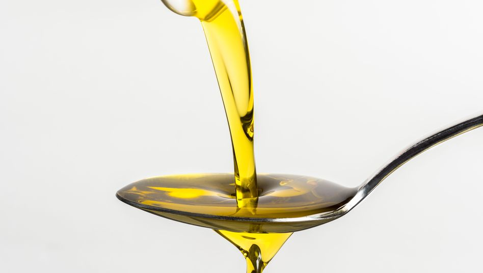 Löffel mit Olivenöl