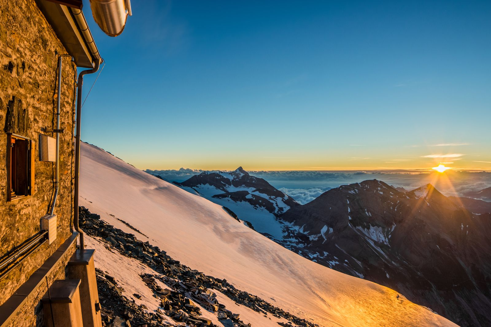 EINMALIGE VERWENDUNG Berghütte / Alpen