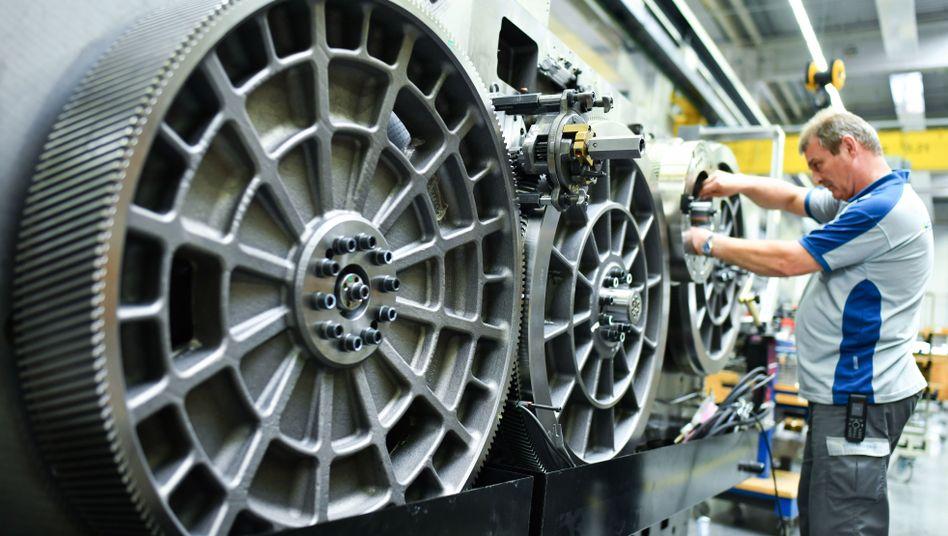 Fertigung bei Heidelberger Druckmaschinen in Wiesloch: Vor allem deutsche Unternehmen erteilten der Maschinenbaubranche weniger neue Aufträge