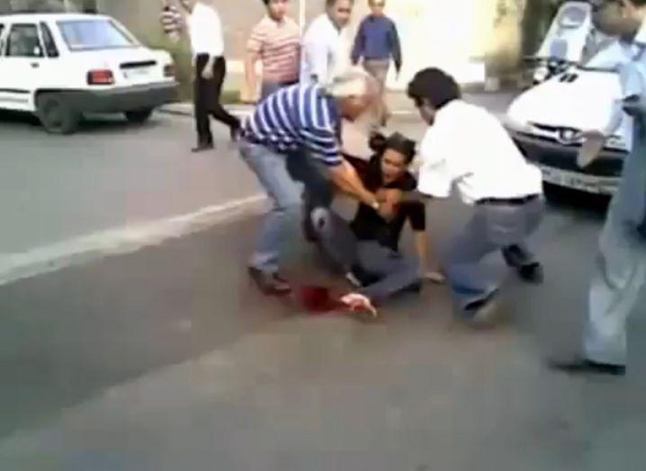 Eine Szene, die um die Welt geht: Die junge Frau hat der Brutalität des Regimes ein Gesicht gegeben
