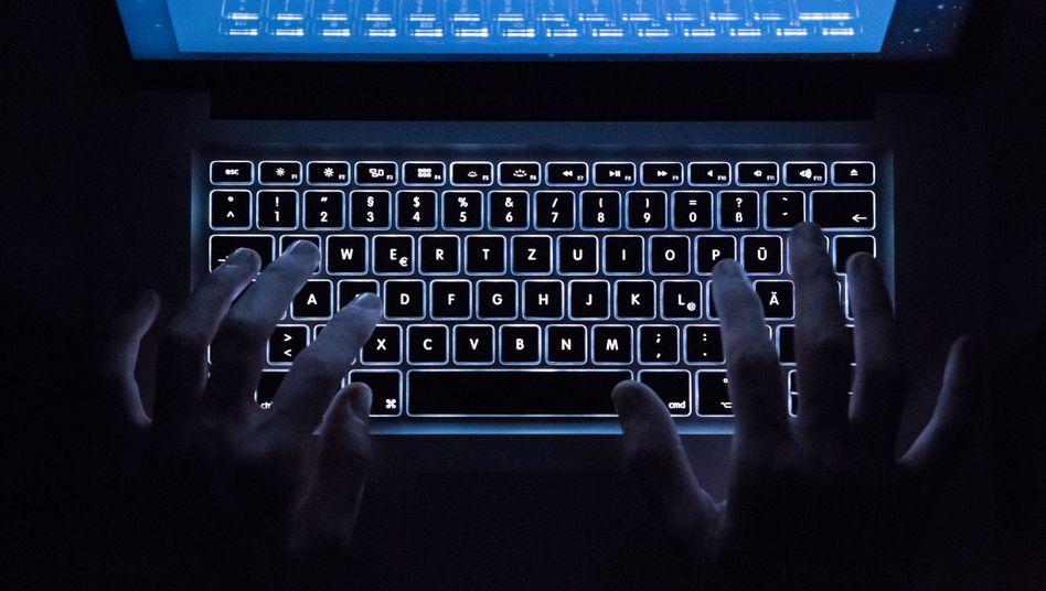Dank verdächtiger Chatprotokolle im Darknet konnte der Auftraggeber gefasst werden (Archivbild)
