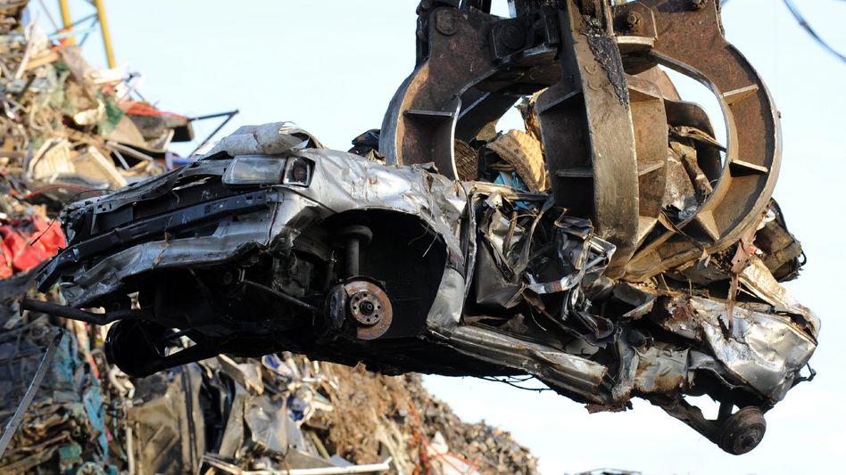 Autowrack: Streit wegen Autoprämie