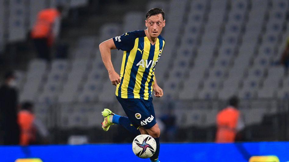 Mesut Özil sucht bei Fenerbahçe nach seiner Rolle