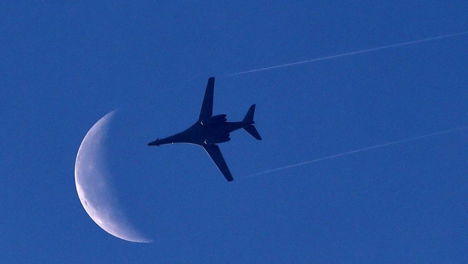 US-Bomber über Kobane (im Oktober 2014): Flüge kosten mehr als fünf Millionen Dollar täglich