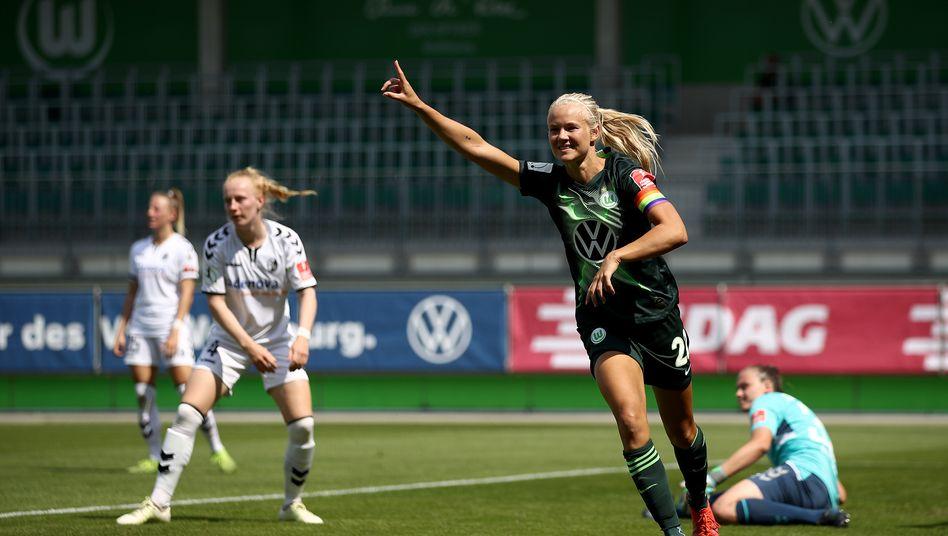 Pernille Harder wie man sie oft gesehen hat in dieser Saison: beim Torjubel