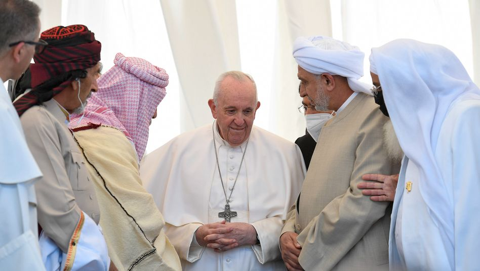 Papst Franziskus beim interreligiösen Treffen in der antiken Stadt Ur
