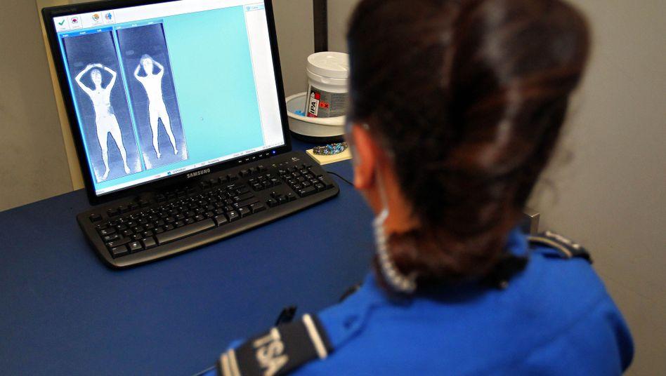 Körperscanner im Einsatz: Diskussion um Strahlenbelastung