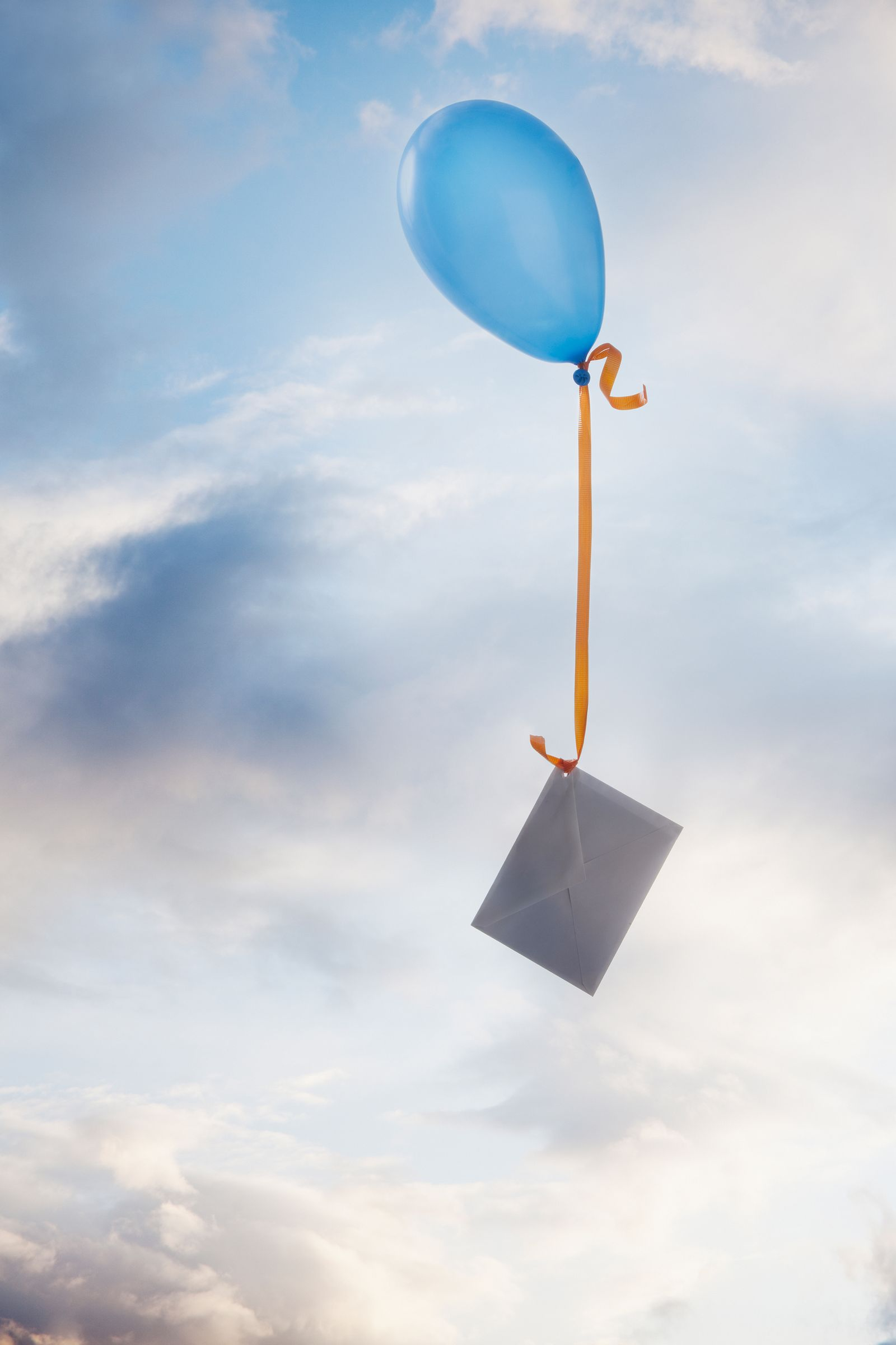 EINMALIGE VERWENDUNG Brief/ Ballon/ Sehnsucht/Distanz