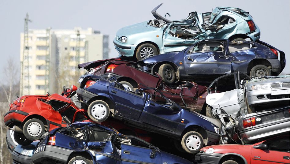 """Millions of Germans benefited from the """"scrapping bonus"""" program. Now that it has ended, car sales have plummeted."""