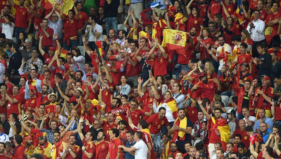 Spanische Fans beim Spiel gegen die Türkei