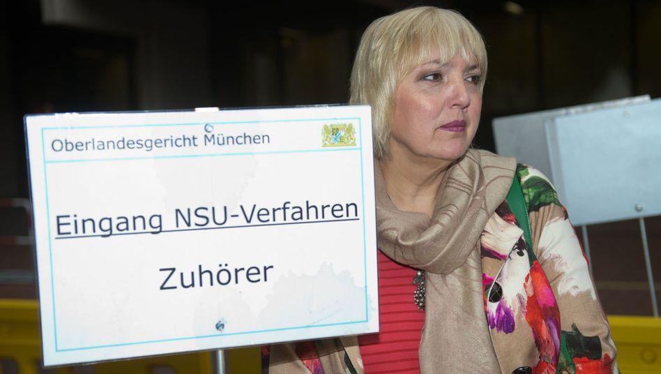 Claudia Roth: Als Zuschauerin im OLG München