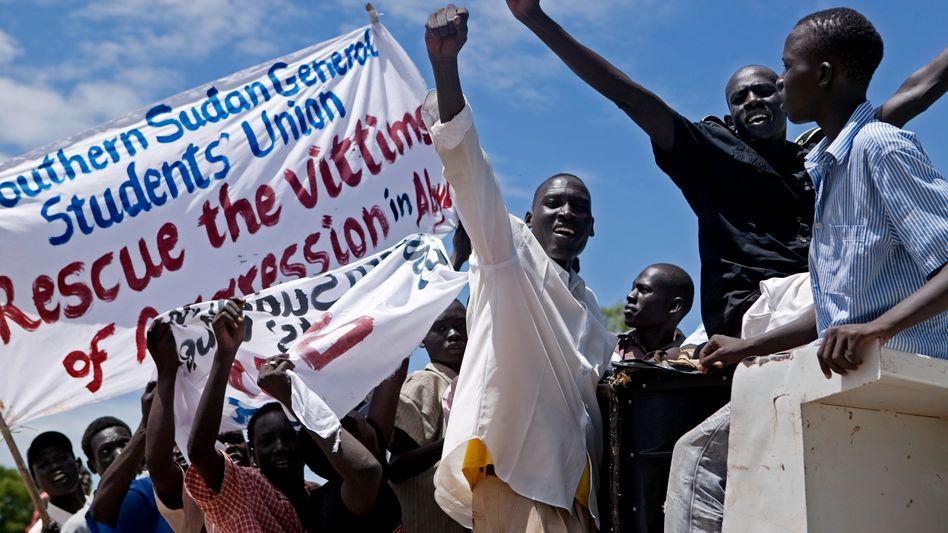 Protest gegen Militäraktion in Abyei: Kampf um die ölreiche Grenzregion