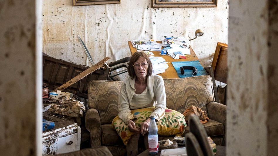 Jutta Schelleckes am 17. Juli in ihrer Wohnung: »Was soll ich heulen, heulen nützt nix«