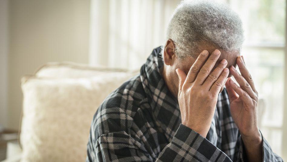 Chronische Migräne lautet die Diagnose des Mannes - aber was verursacht die Schmerzen? (Symbolbild)