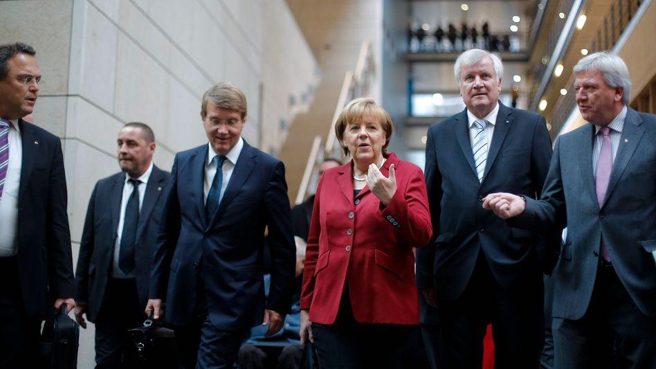 Regierungsbildung: Union und SPD-Spitze einigen sich auf Koalitionsverhandlungen