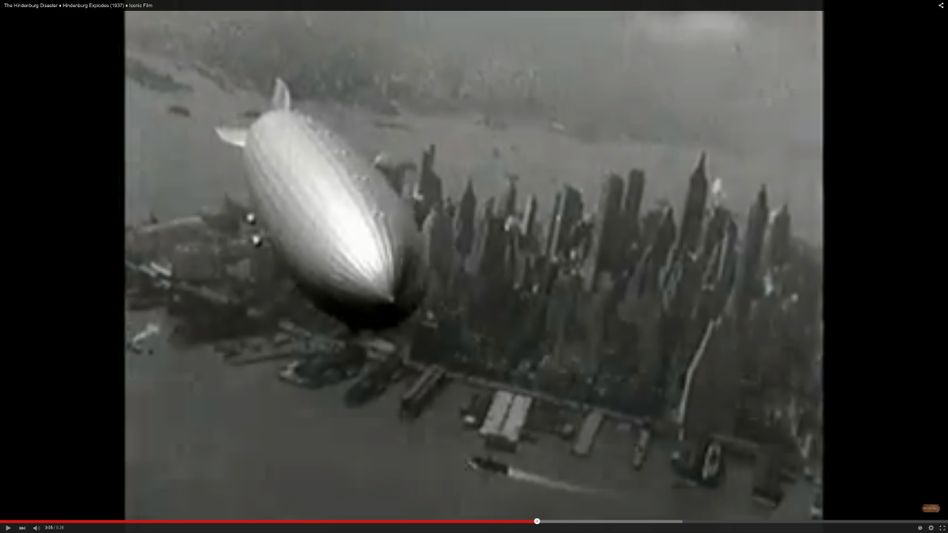Hindenburg in der Luft: Im Archiv ist auch das Unglück dokumentiert