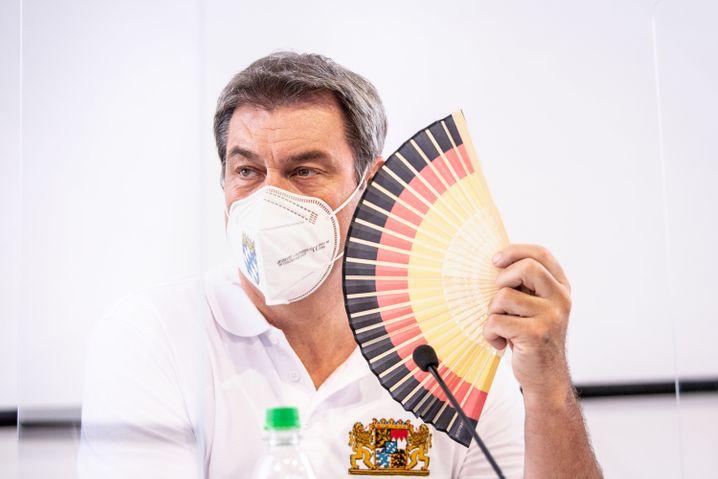 Bayern Ministerpräsident Söder: »Wer zu früh aufsteht in einem Krankheitsfall, der riskiert einen schweren Rückschlag«