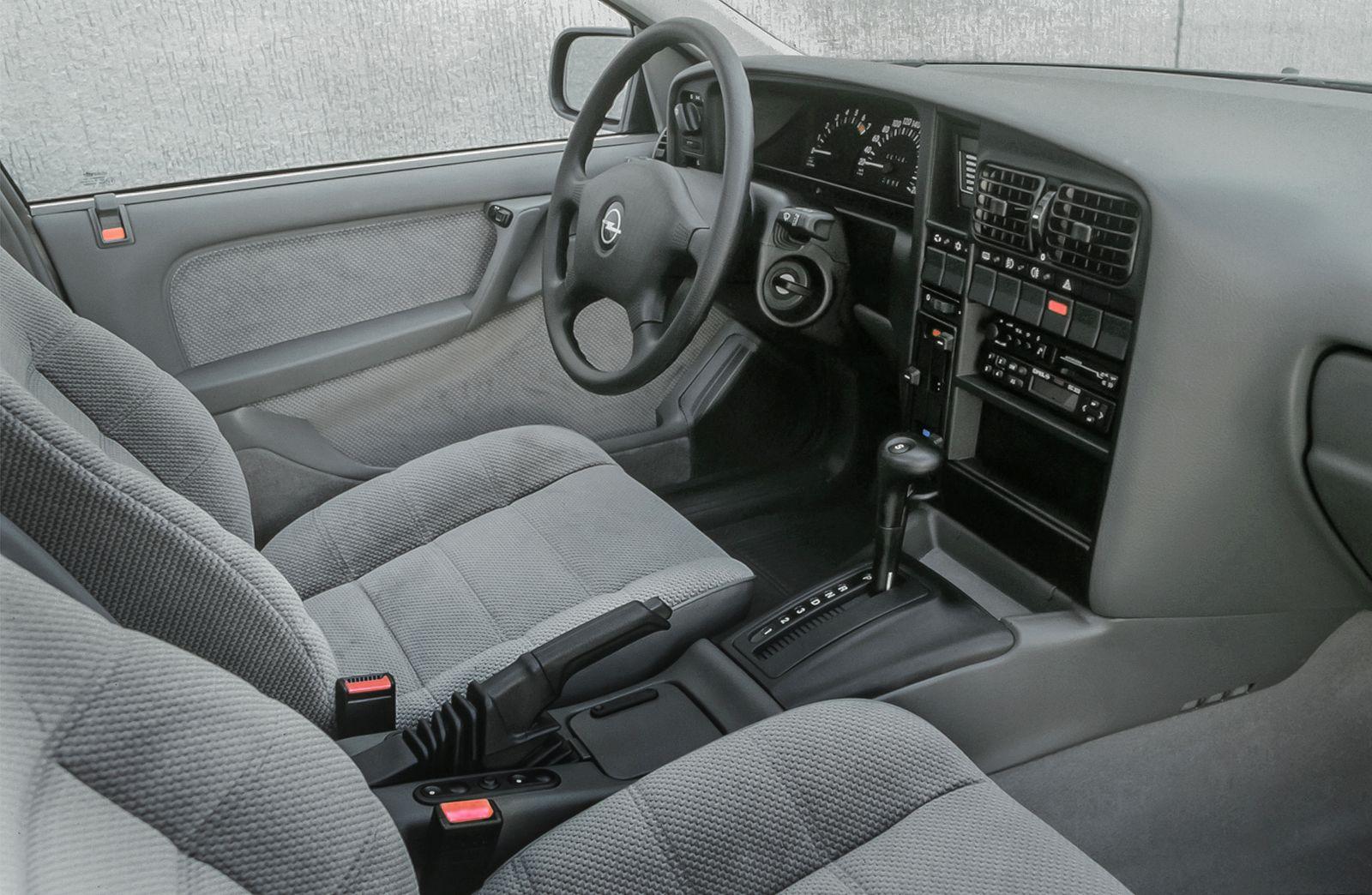 Opel Omega 2.0i CD, 1990