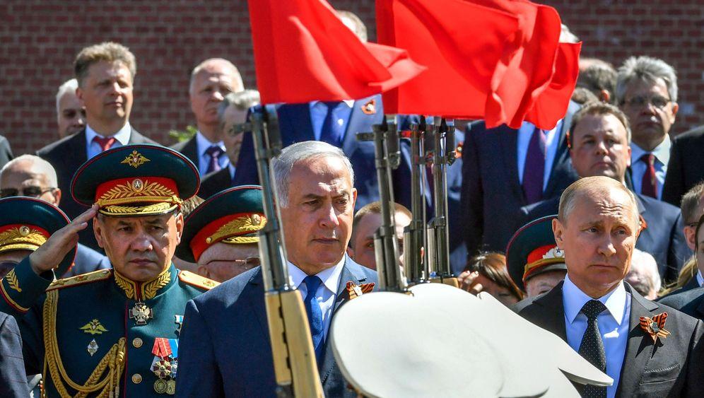 Netanyahu bei Putin: Ein Sieger auf der Siegesparade