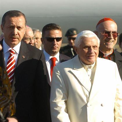 """Türkischer Premier Erdogan, Papst Benedikt XVI: """"Vatikan hat nicht die Macht, in einer Angelegenheit wie dem EU-Beitritt zu intervenieren"""""""