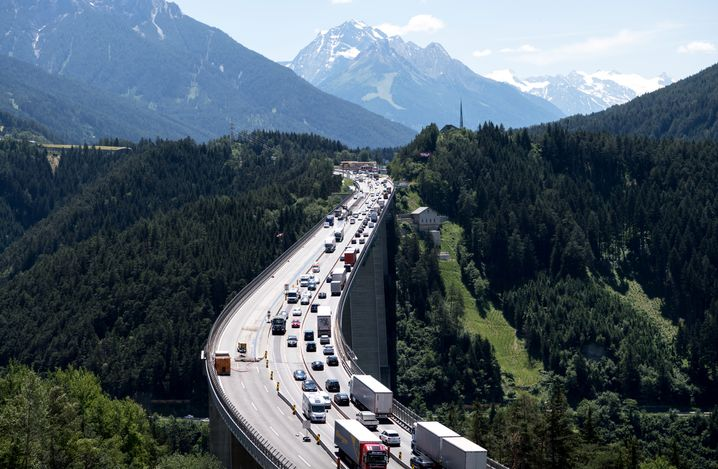 Lkw-Verkehr am Brenner