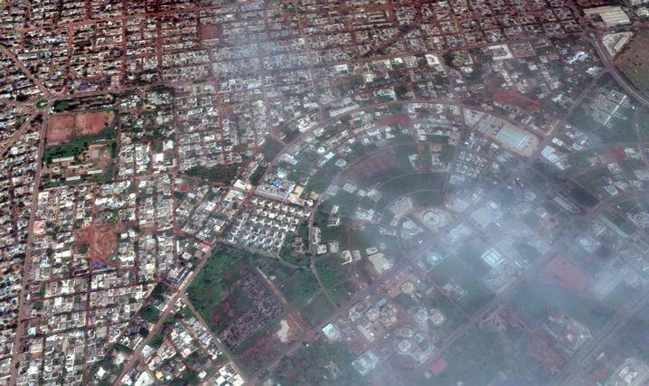 Ort des Anschlags: Auf dem Satellitenbild ist das Hotel mit dem blauen Pool zu sehen